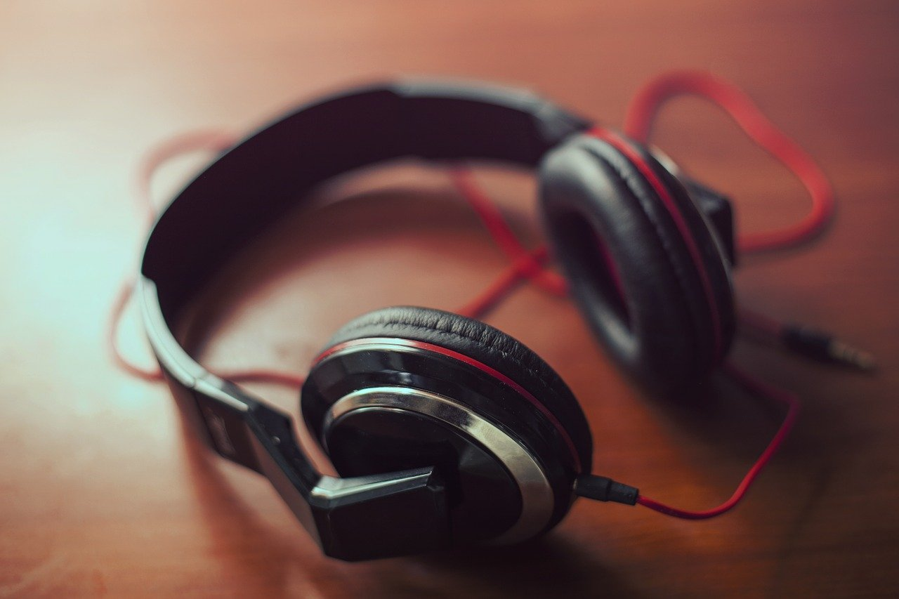If You Want To Mix And Record Music, These Are The Best Headphones